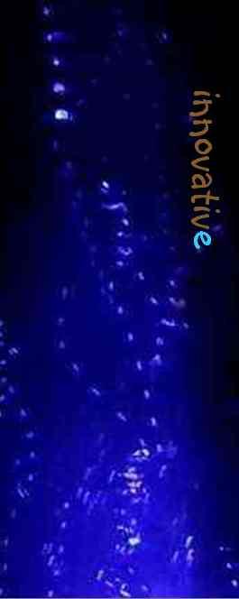 eau dynamisée avec dynamiseur à vortex fond bleu
